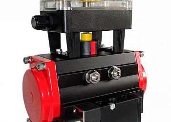 Pinça pneumática rotativa