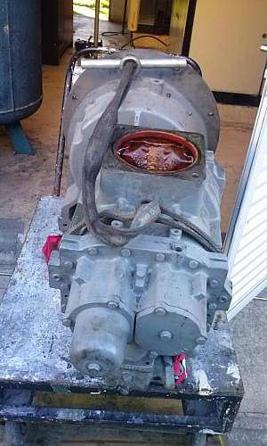 Manutenção corretiva de compressor de parafuso