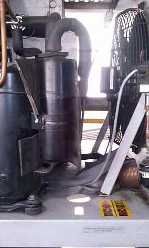 Manutenção preventiva de compressor de parafuso